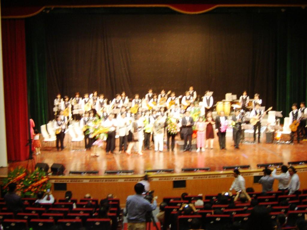 2012年、ハノイ市。 公演模様:AUCOホール
